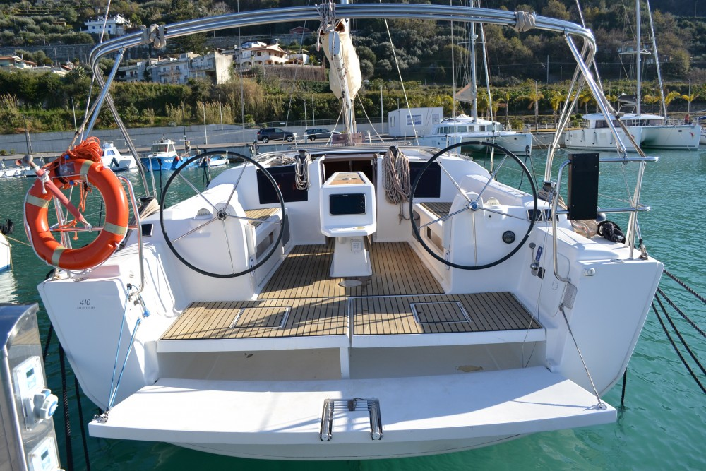 Boat rental Dufour Dufour 410 Grand Large in Capo d'Orlando on Samboat