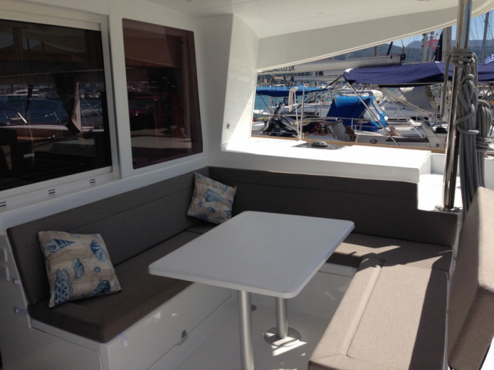 Rental Catamaran in  - Lagoon Lagoon 400 S2