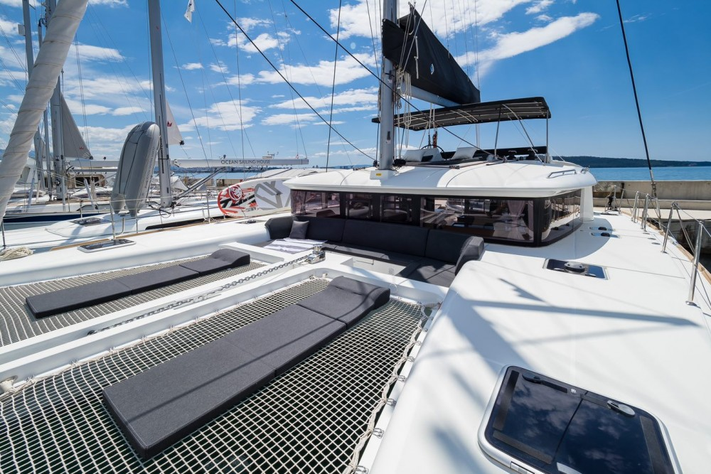 Rental Catamaran in Kaštel Gomilica - Lagoon Lagoon 450