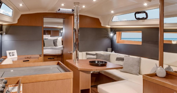Boat rental Bénéteau Oceanis 41.1 in Kaštel Gomilica on Samboat