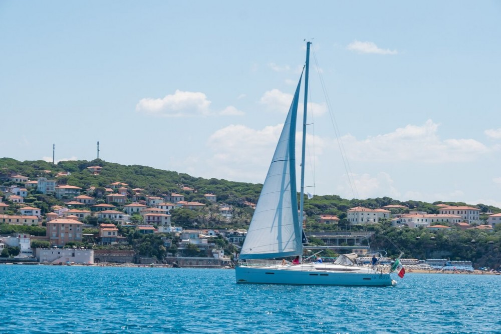 Jeanneau Sun Odyssey 439 between personal and professional Castiglioncello