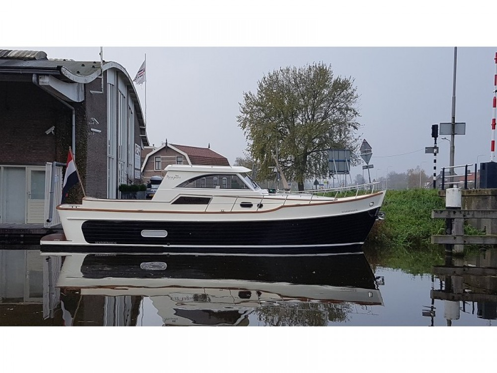 Boat rental  Newport Bass HT in Noord-Beveland on Samboat
