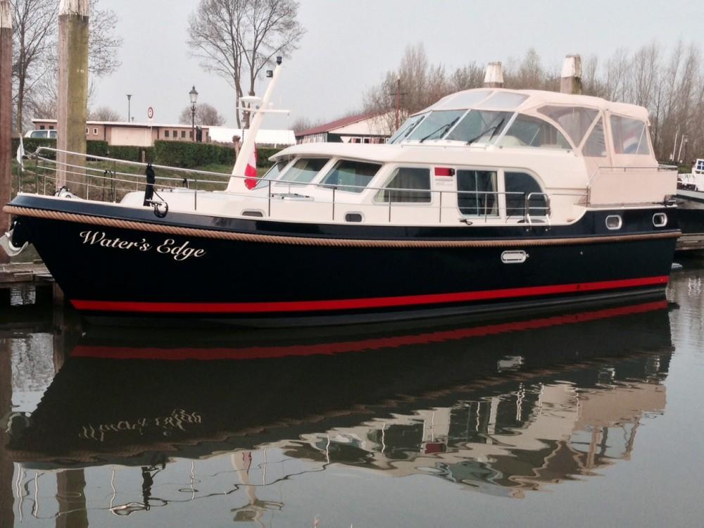 Motor boat for rent Kortgene at the best price