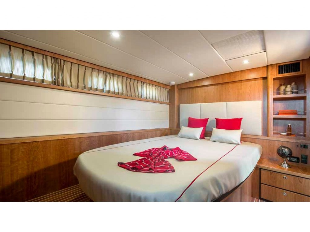 Hire Motor boat with or without skipper Linssen Kortgene