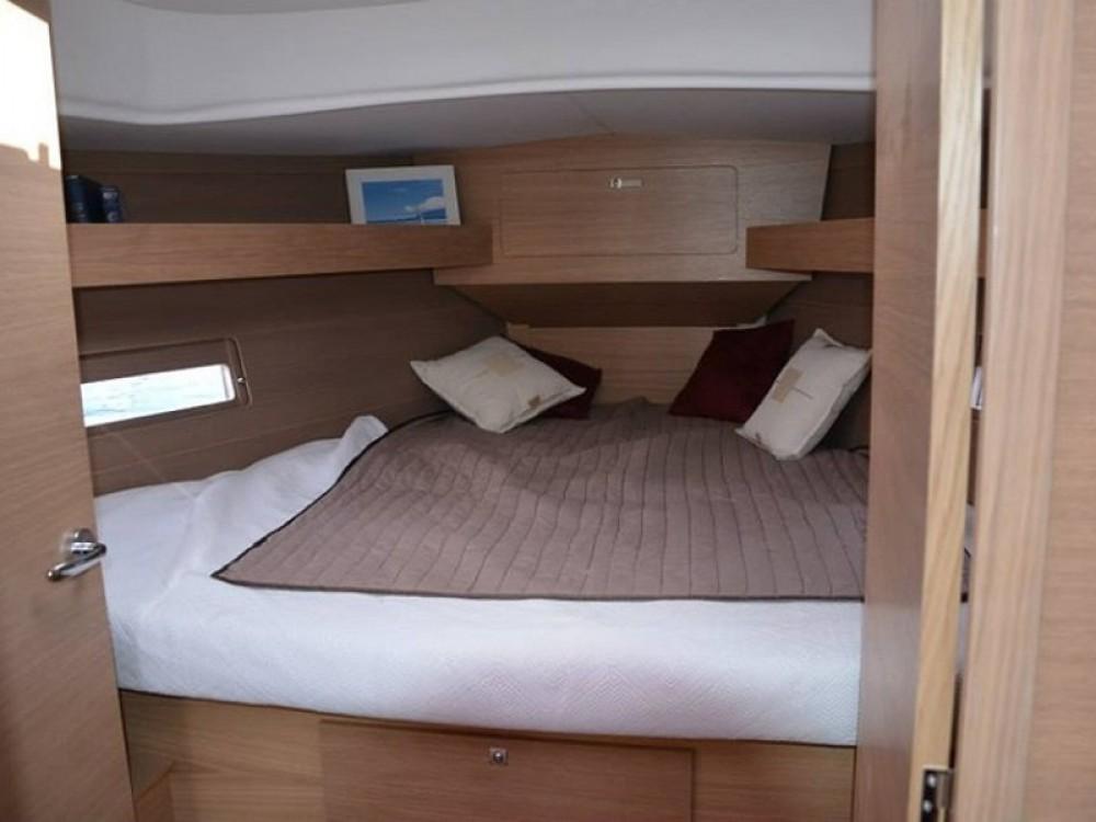 Boat rental Dufour Dufour 382 GL in Aegean Region on Samboat