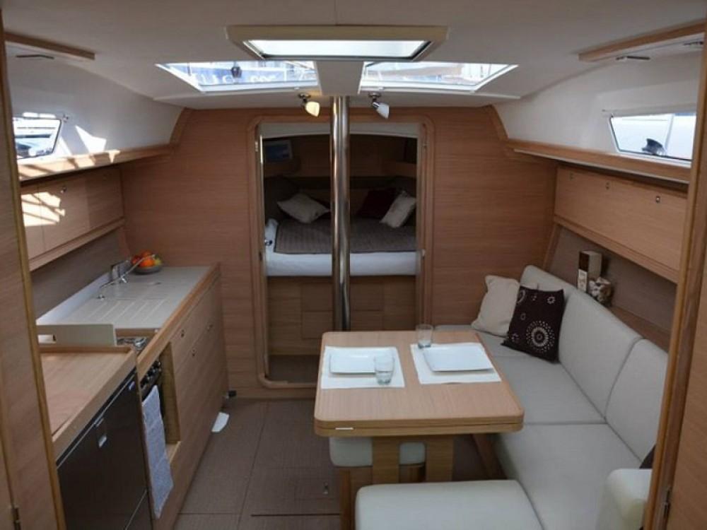 Rental yacht Aegean Region - Dufour Dufour 382 GL on SamBoat