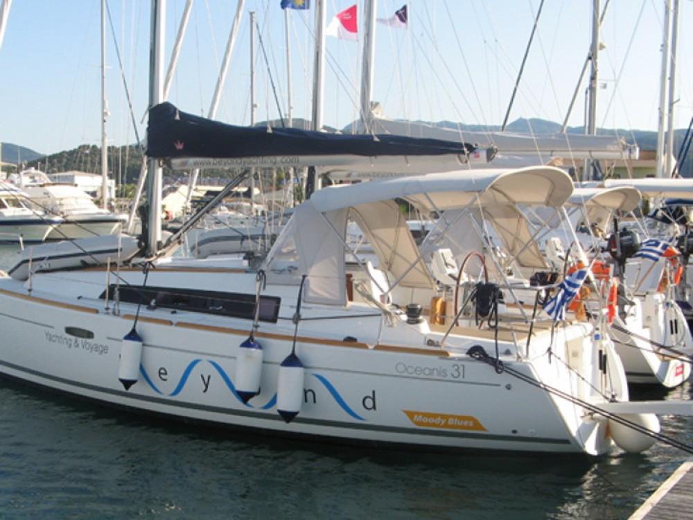 Boat rental Bénéteau Oceanis 31 in Lefkada on Samboat