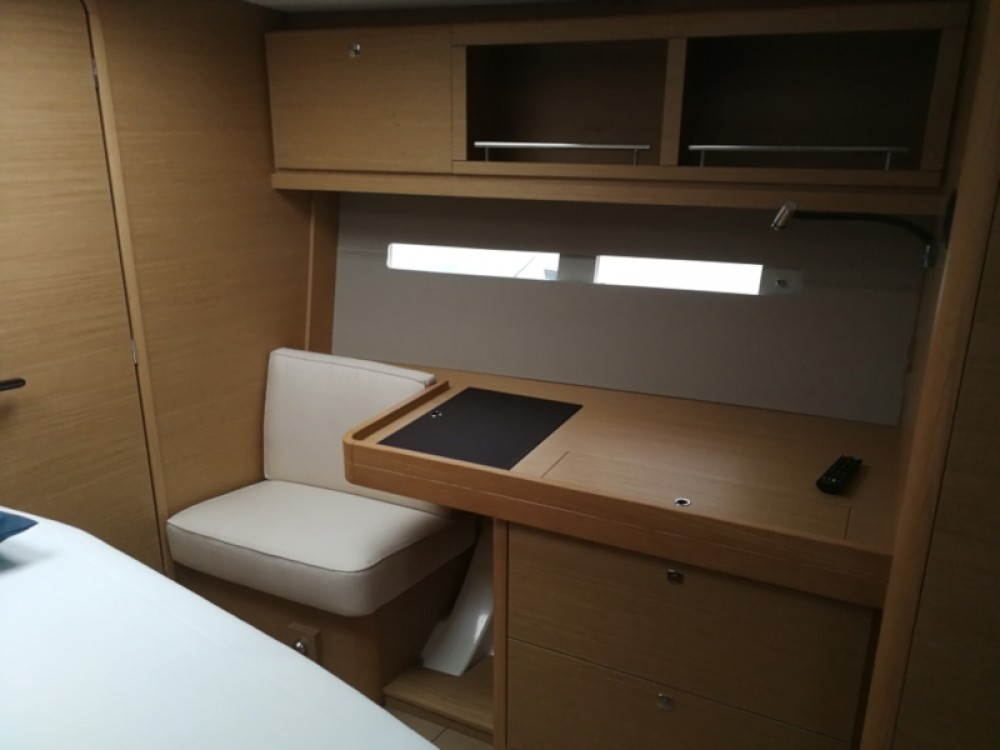 Rental Sailboat in Seget Donji - Dufour Dufour 56 Exclusive