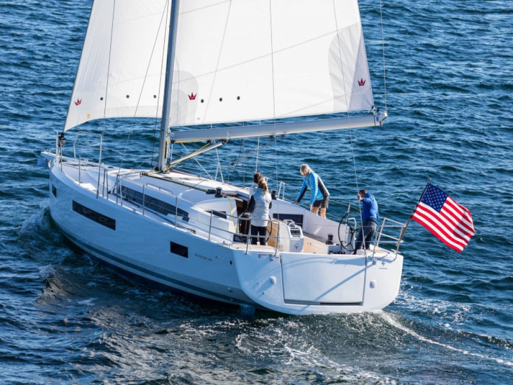 Hire Sailboat with or without skipper Jeanneau Marina Gouvia