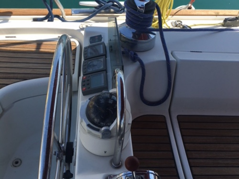 Rental Sailboat in Alimos Marina - Bénéteau Oceanis 473