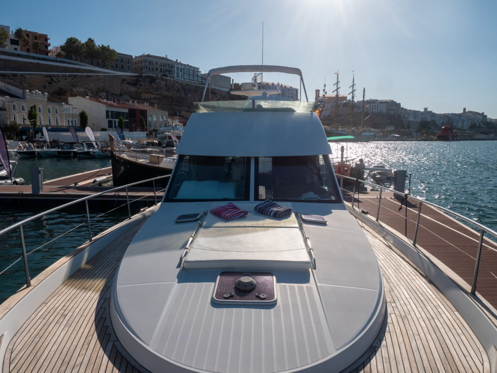 Yacht for rent Maó at the best price
