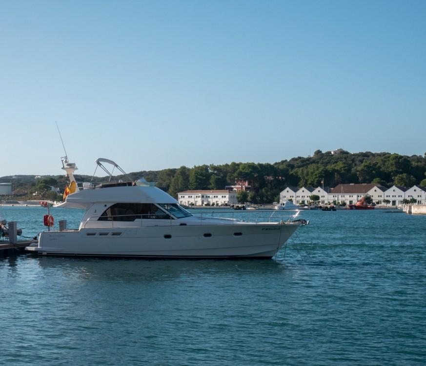 Rental Motorboat in Maó - Bénéteau Antares 13.80