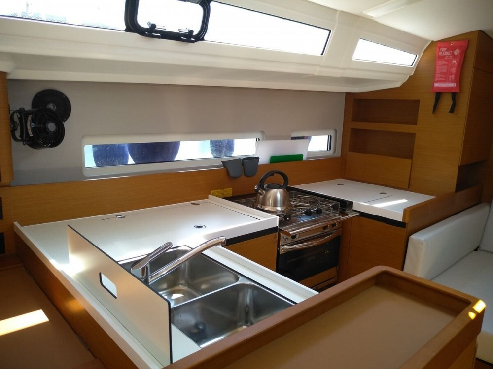Jeanneau Sun Odyssey 410 ( INVENTER)  between personal and professional Alimos Marina