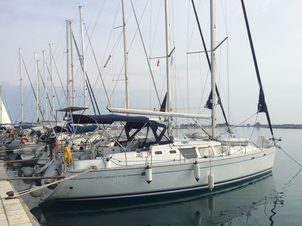 Rental Sailboat in Alimos Marina - Jeanneau Sun Odyssey 43DS