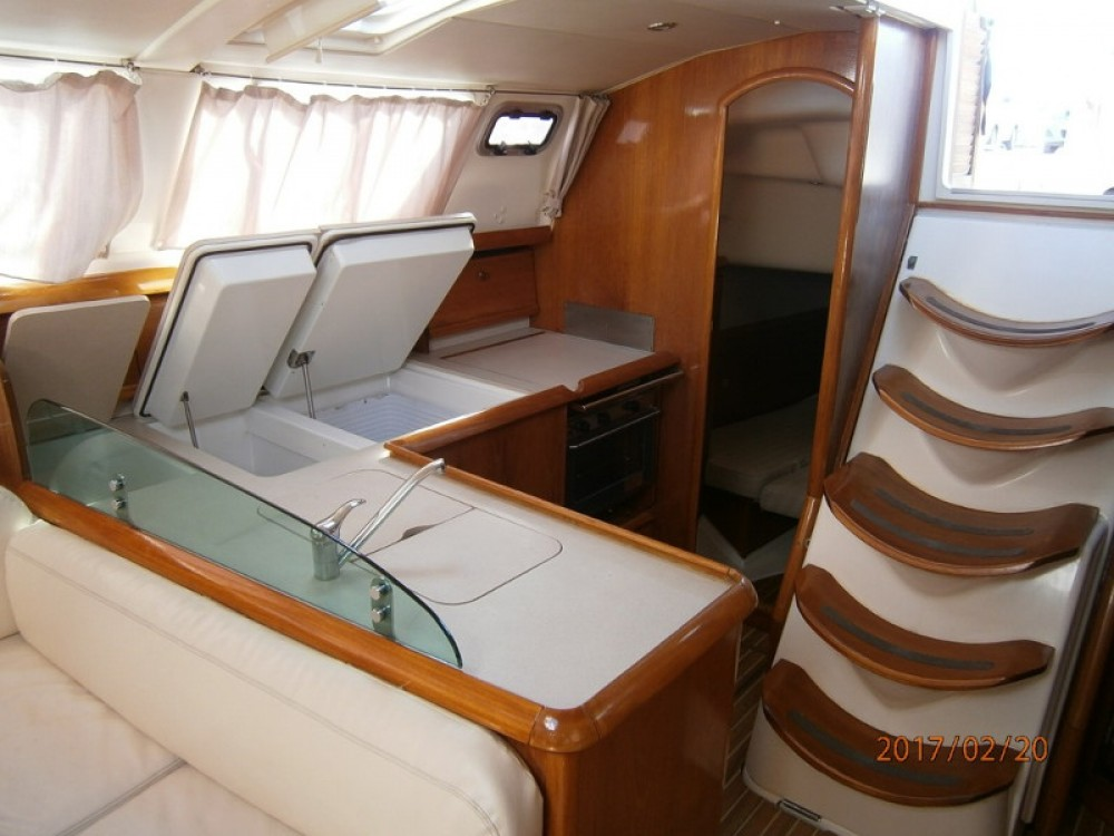Boat rental Álimos cheap Sun Odyssey 43DS