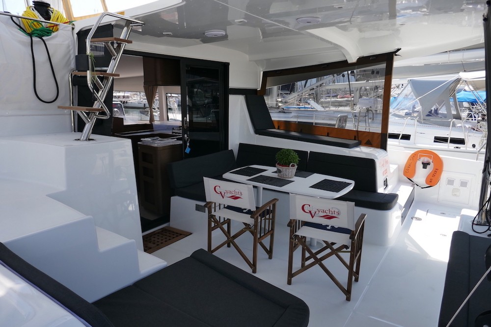 Hire Catamaran with or without skipper Lagoon Alimos Marina