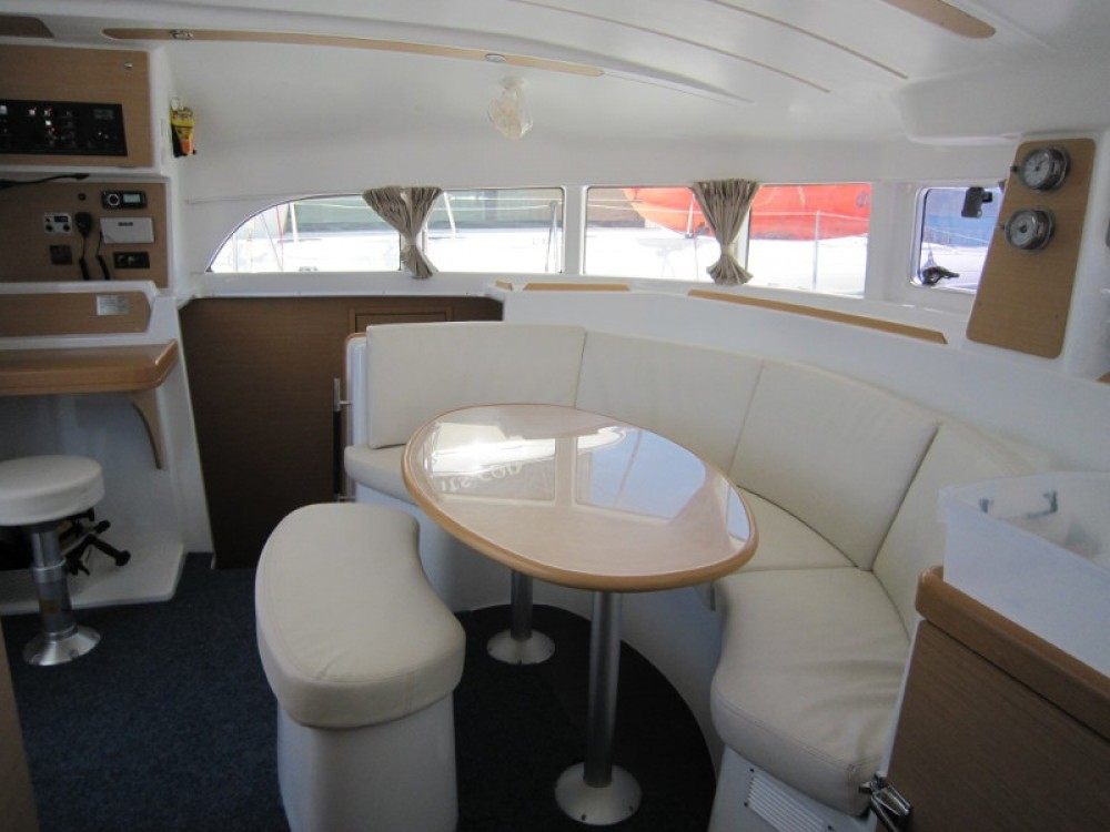 Boat rental Laurium cheap Lagoon 380