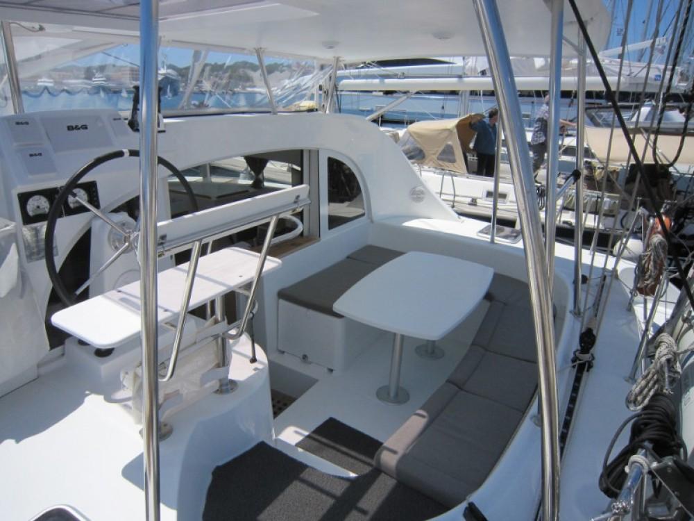 Rental yacht Laurium - Lagoon Lagoon 380 on SamBoat