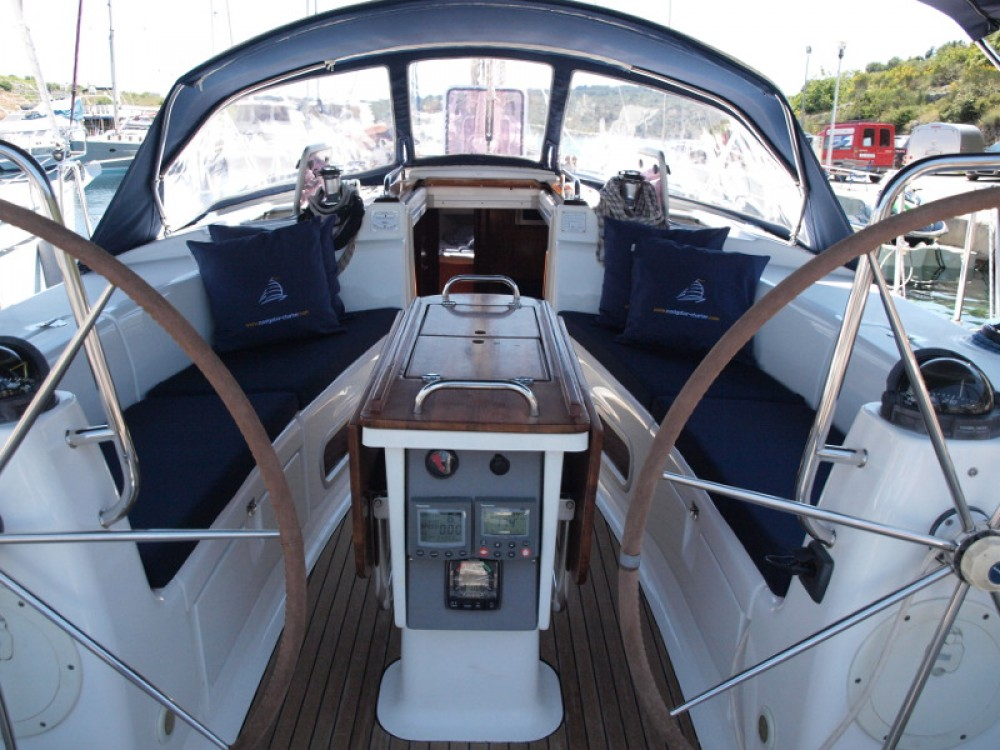 Sailboat for rent Capocesto at the best price