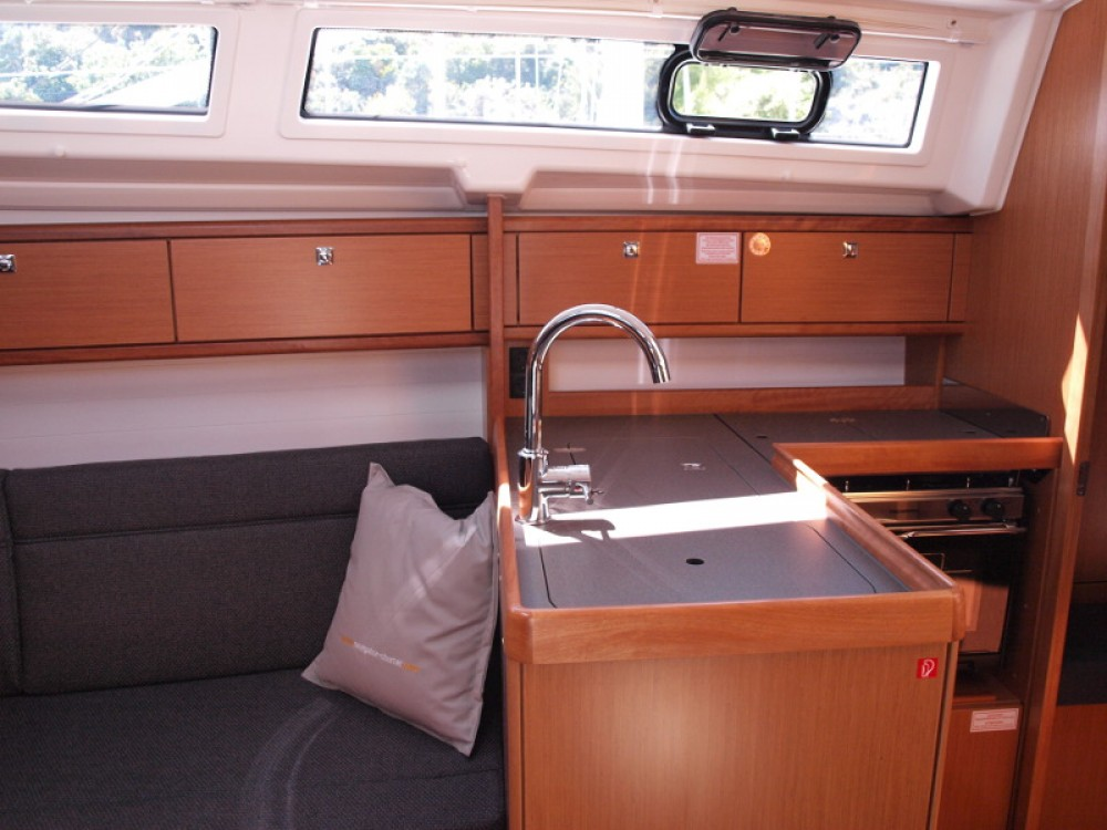 Bavaria Bavaria Cruiser 33 between personal and professional Primošten