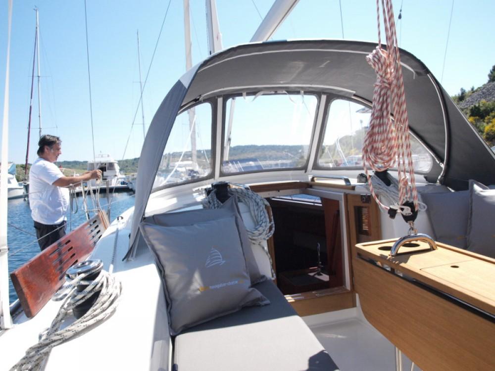 Boat rental Primošten cheap Bavaria Cruiser 33