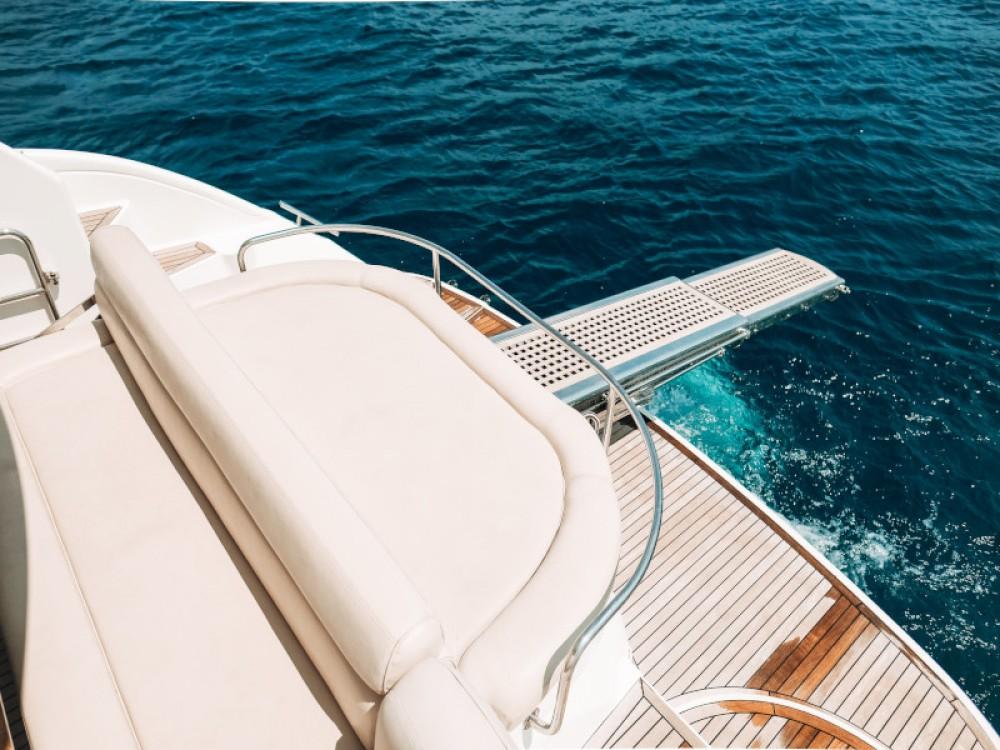 Boat rental Bavaria Bavaria 42 HT in Seget Donji on Samboat
