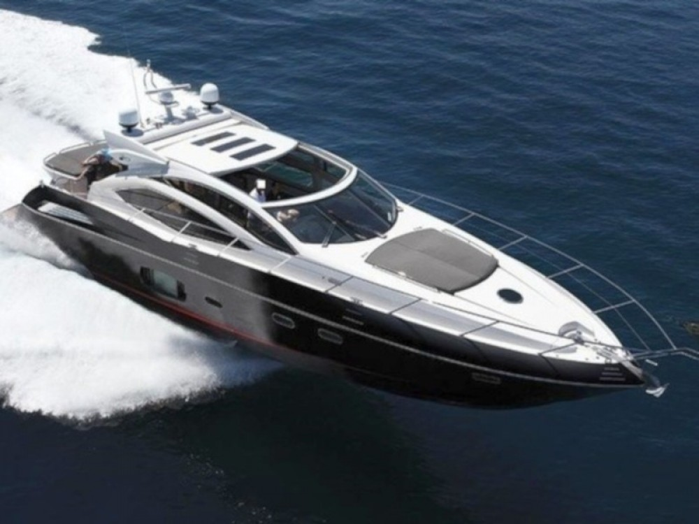 Sunseeker Sunseeker Predator 64 between personal and professional