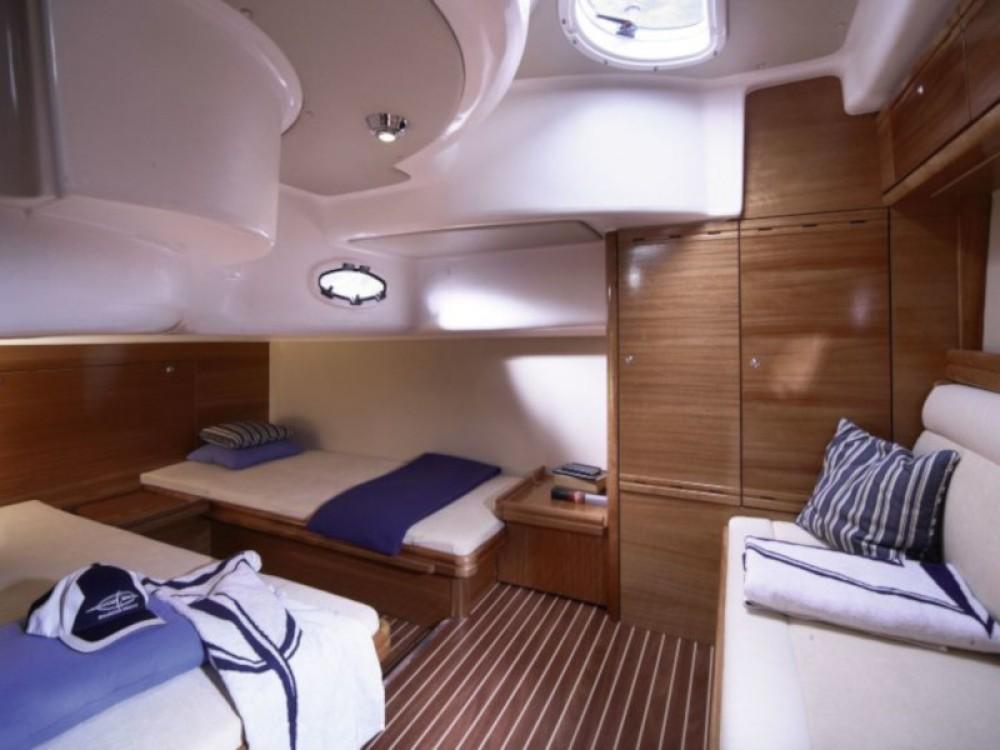 Rental yacht Seget Donji - Bavaria Bavaria 37 Sport on SamBoat