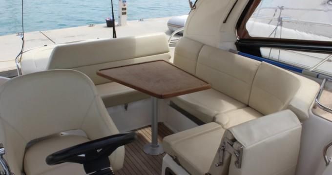 Rental Motorboat in Punat - Bavaria Bavaria 32 Sport