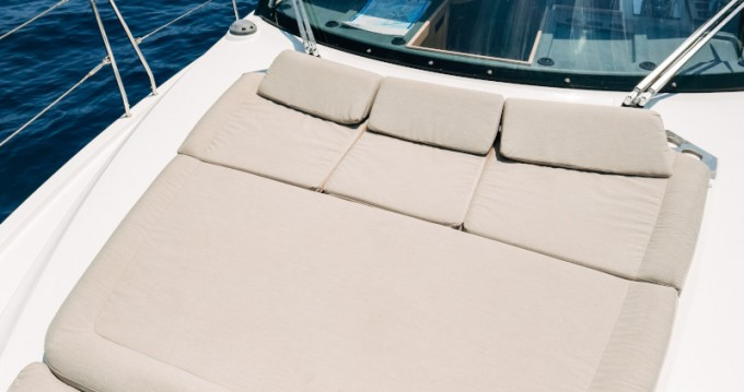 Motorboat for rent Seget Donji at the best price