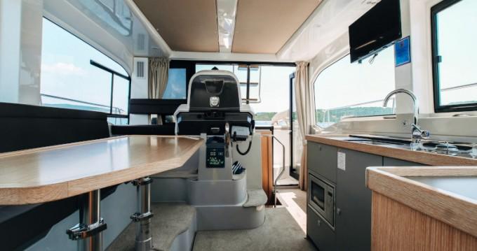 Rental yacht Seget Donji - Bavaria Bavaria E40 Fly on SamBoat