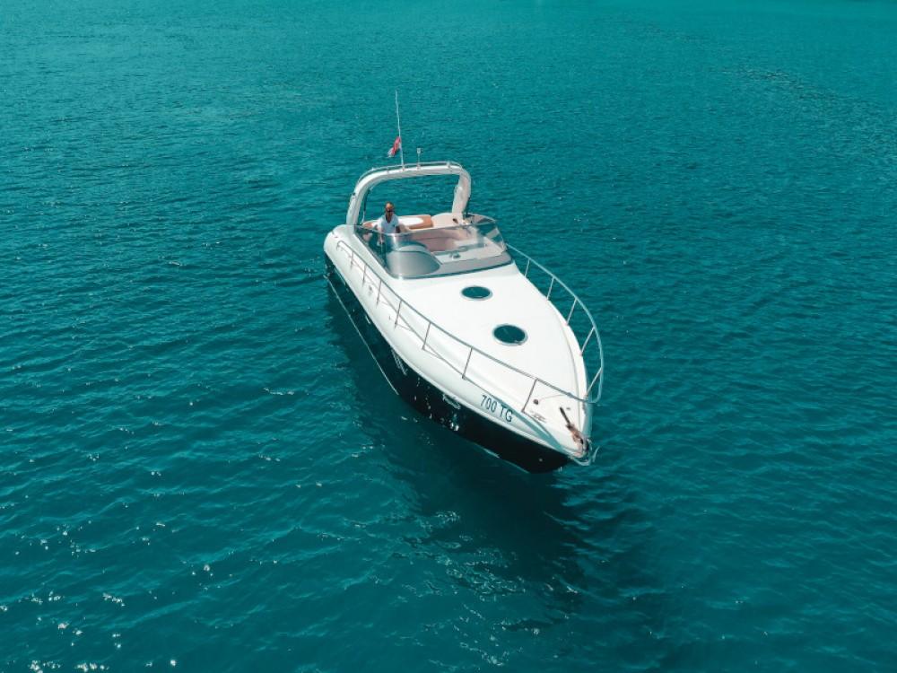Boat rental  cheap Airon 345