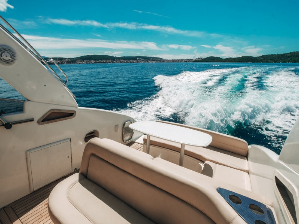 Hire Motor boat with or without skipper Airon