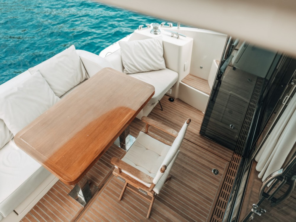 Hire Motor boat with or without skipper Bénéteau Seget Donji