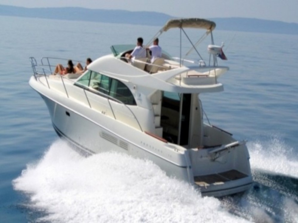 Rental Motor boat in Krk - Jeanneau Prestige 36 Fly