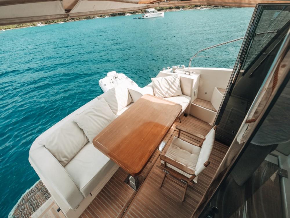 Boat rental Bénéteau Monte Carlo 5 in Seget Donji on Samboat