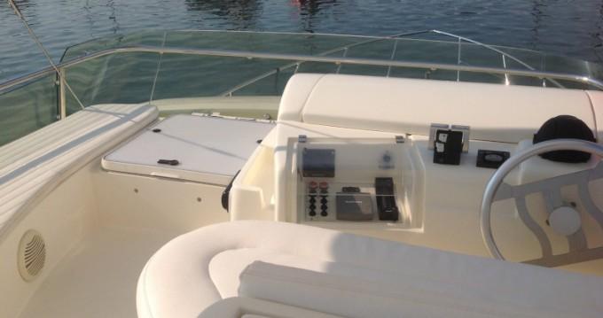 Rental Motorboat in Punat - Ferretti Ferretti 460