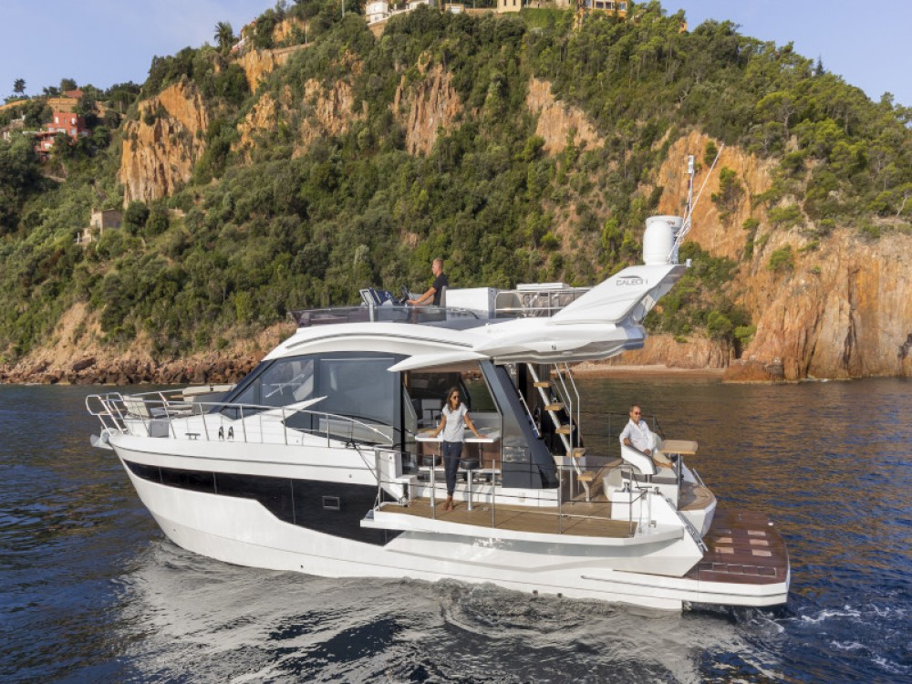 Hire Motor boat with or without skipper Galeon