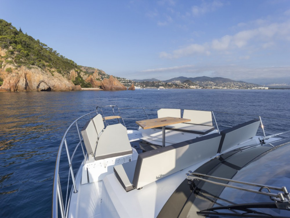 Galeon Galeon 500 Fly between personal and professional