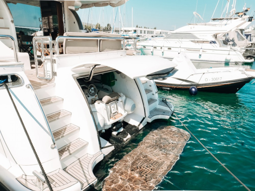 Yacht for rent Marina Baotić at the best price