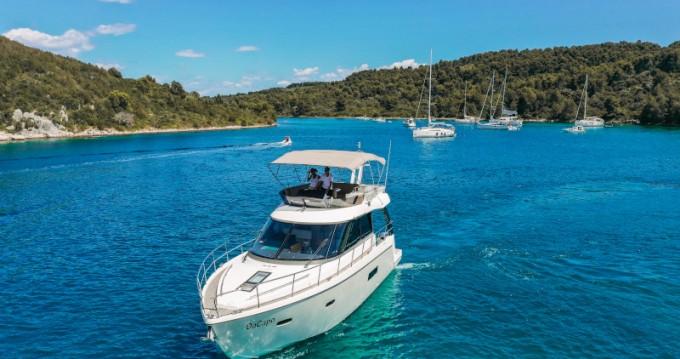 Boat rental Sealine Sealine F 450 in  on Samboat
