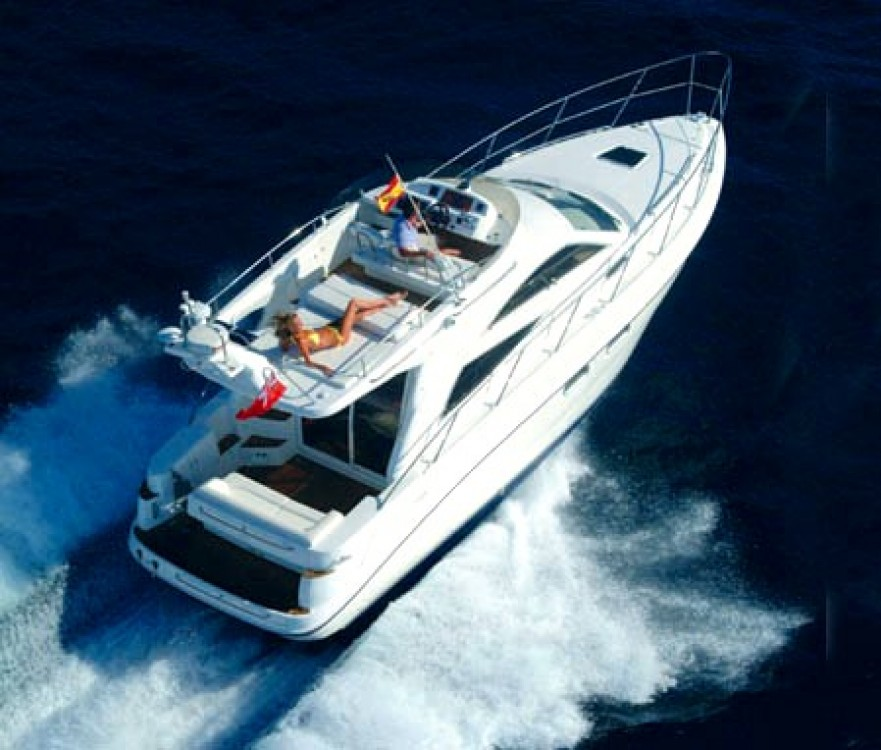 Rental yacht  - Sealine Sealine F34 on SamBoat
