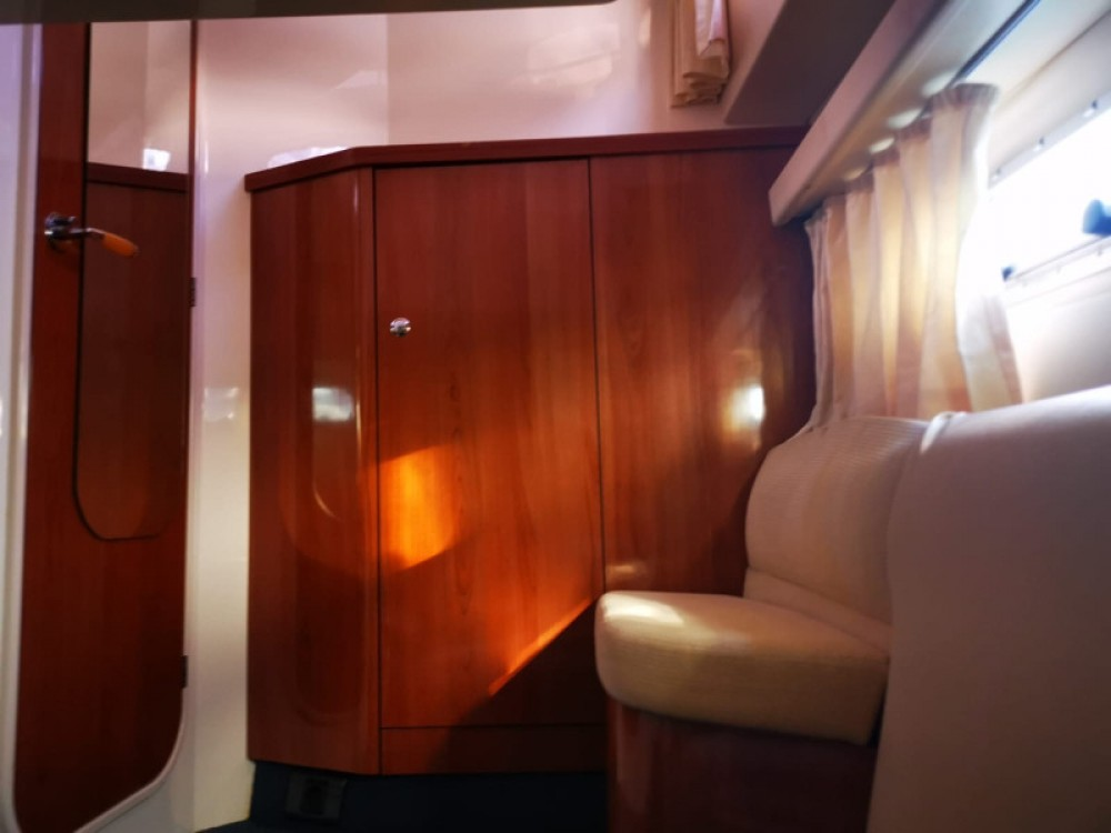 Sealine Sealine F34 between personal and professional