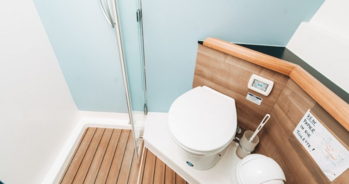 Boat rental  cheap Sealine F 450