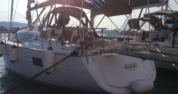 Boat rental Elan Impression 40 in Alimos on Samboat