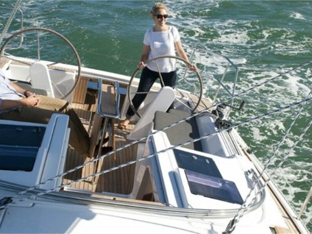 Boat rental Hanse Hanse 345 in Alimos Marina on Samboat