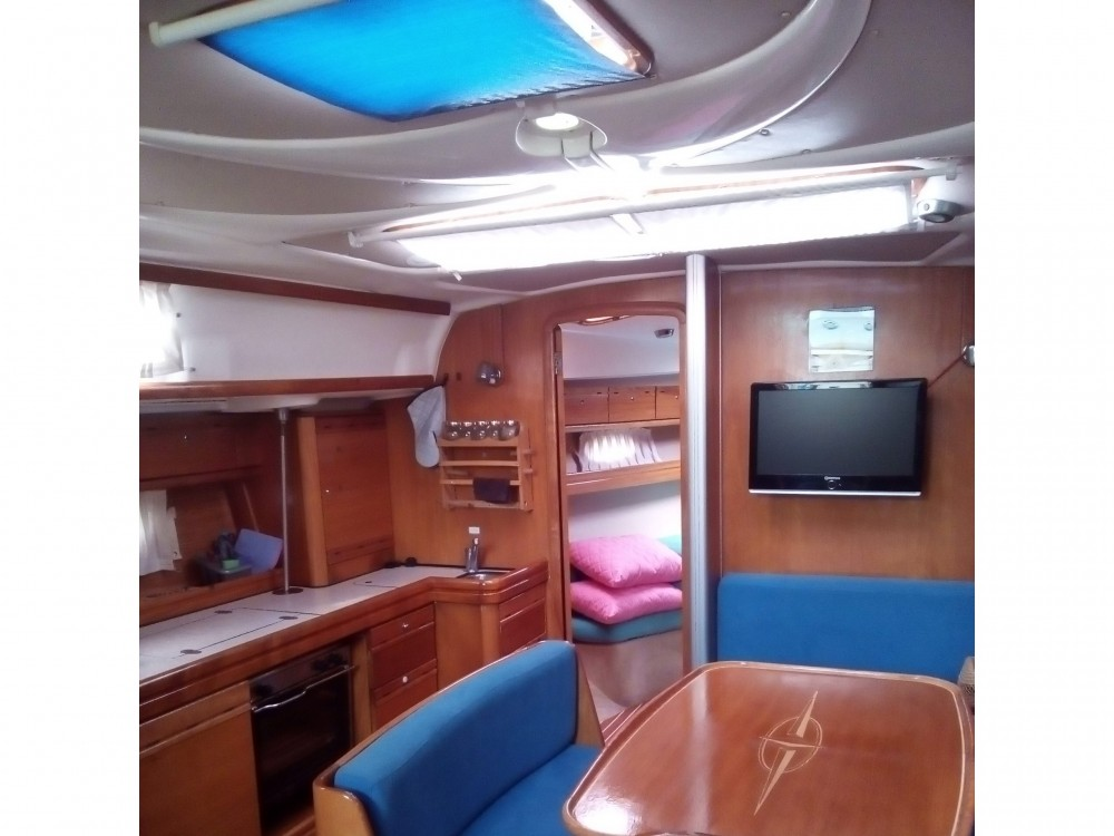 Rental yacht Alimos Marina - Bavaria Bavaria 39 Cruiser on SamBoat