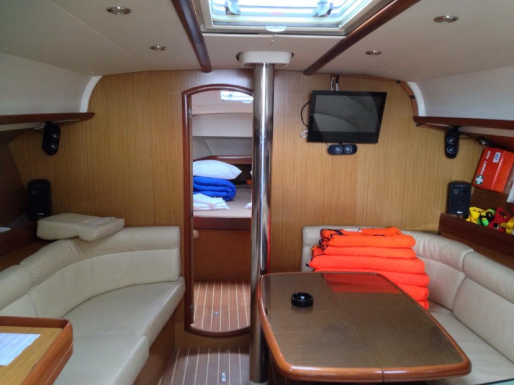 Rental Sailboat in  - Jeanneau Sun Odyssey 42 i