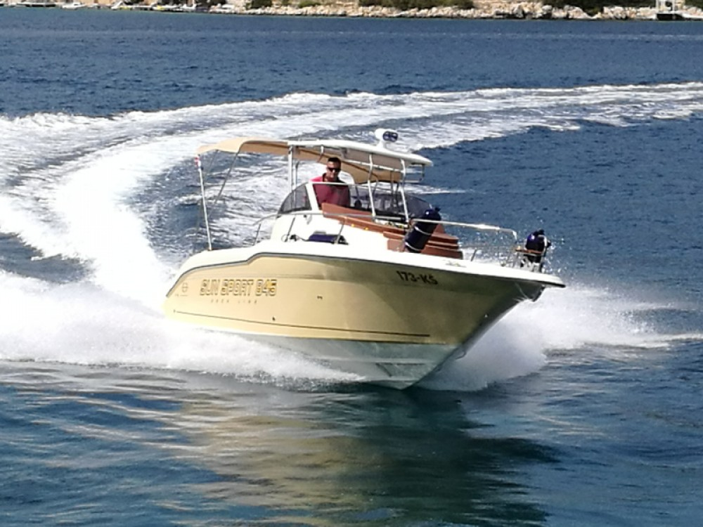 Rental Motor boat in Trogir -  Sun Sport 845