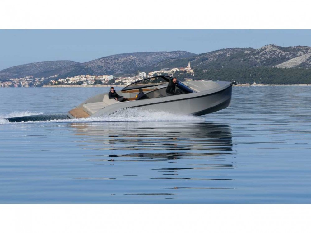 Rent a  Supreme 27 p Trogir